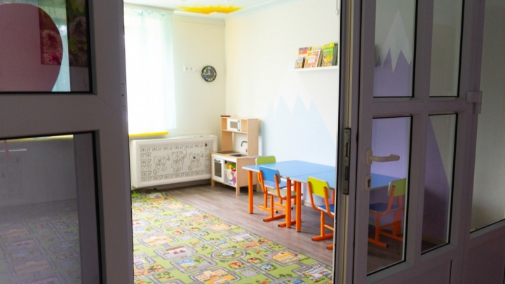 В Омске наркоман через окно залез в детский сад