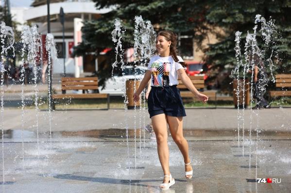 В Челябинске жарит уже почти неделю. Для уральского августа это уникальная история