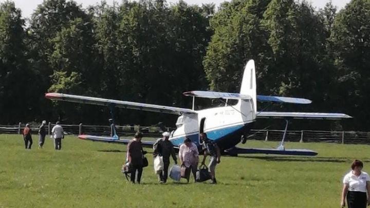 В Тобольском районе самолет совершил жесткую посадку: «Уперся носом в землю и чуть не перевернулся»