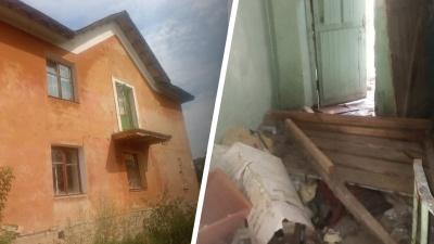 """«В доме вырваны батареи»: екатеринбурженка <nobr class=""""_"""">35 лет</nobr> ждала очереди на жилье, но ее отправляют в барак"""