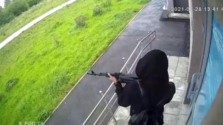 Полиция задержала в Екатеринбурге парня с ружьем