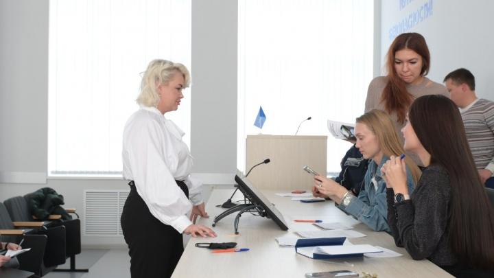 Сотрудницы ММК выступят в качестве моделей для молодежного корпоративного календаря
