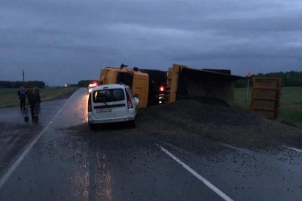 В момент аварии на дороге было очень темно