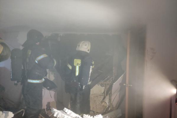 Пожар начался из-за того, что в подсобке замкнул электроприбор
