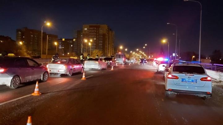 В Тюмени сбитый и брошенный на дороге пешеход не запомнил момент ДТП