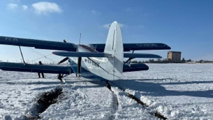 На Ставрополье в поле вынужденно сел летевший в Волгоградскую область самолет