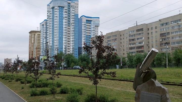 Мэр Екатеринбурга присвоил имя аллее, которую заложил E1.RU