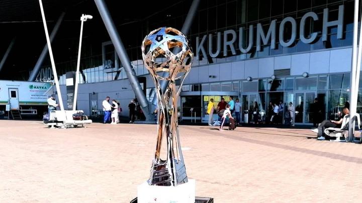 В Самару привезли кубок чемпионов российской Премьер-лиги по футболу