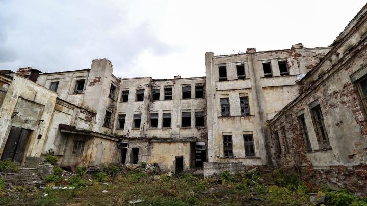 Эксперты одобрили проект превращения ДК им. Ленина в жилой дом. В правительстве опровергли слухи о его сносе