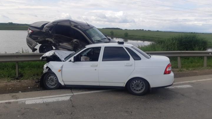 Полицейский из Адыгеи выехал на встречку и врезался в полицейского с Кубани