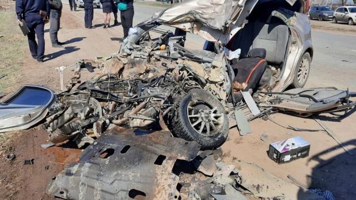 Два трупа: в Самарской области столкнулись бетономешалка и легковушка