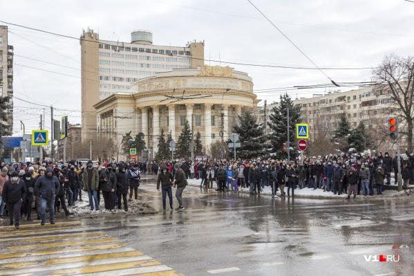 За участие в акции протеста волгоградцам придется заплатить по 10 тысяч рублей