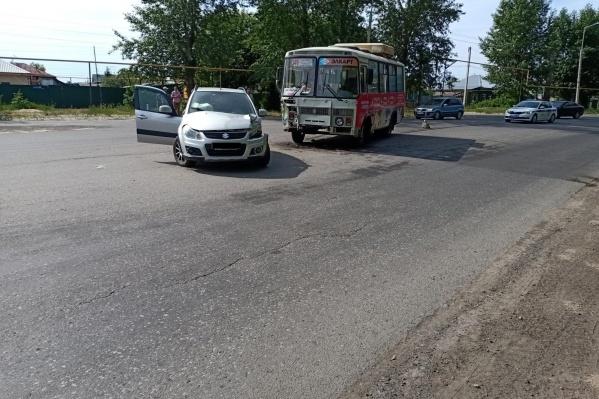 Авария с участием ПАЗа произошла ранним утром 15 июня