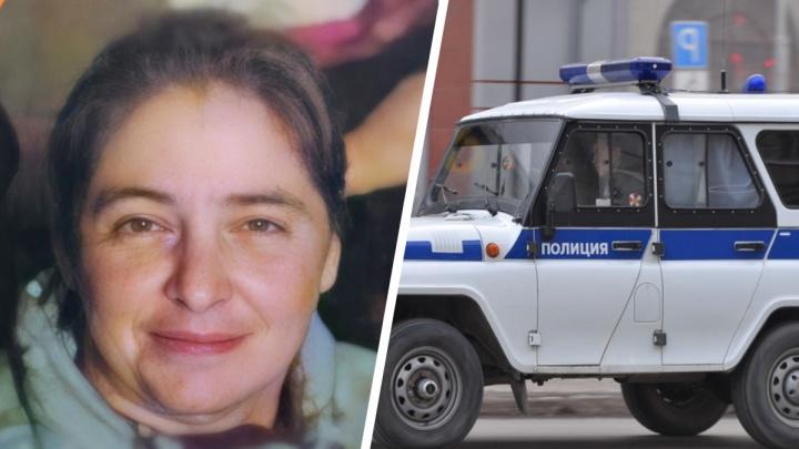 Перенесла инсульт и страдает эпилепсией: в Екатеринбурге ищут 46-летнюю женщину, собиравшуюся в родной город
