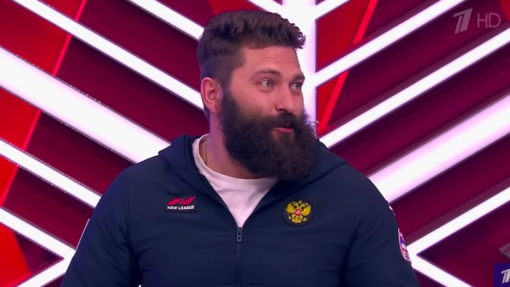 Бодибилдер-колясочник из Ачинска принял участие в шоу «Мужское / Женское»