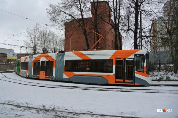 Вагоновожатый на примерах объяснил, почему трамваям Екатеринбурга очень важны разворотные кольца
