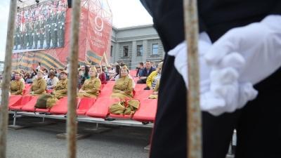 Со зрителями, но без ветеранов: в Самаре прошел парад Победы