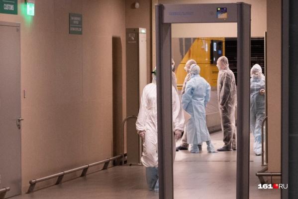 Инфекционист сказал, что нет универсального способа избежать заражения между первым и вторым введением вакцины