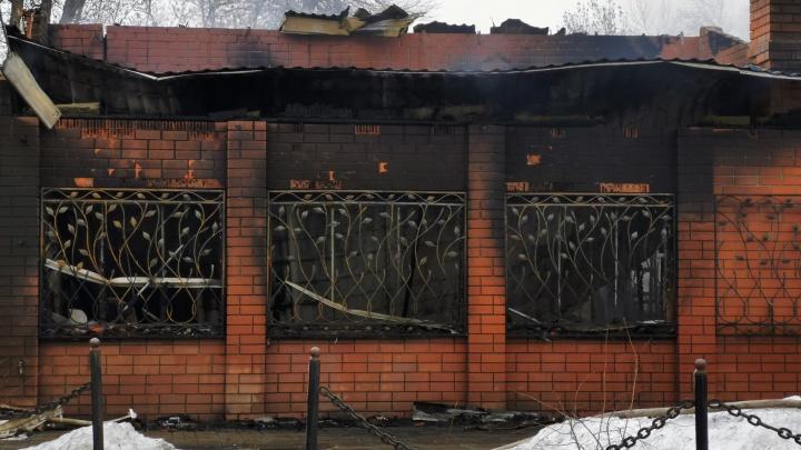 «Началось все с маленького склада»: очевидец рассказал подробности ночного пожара в Урюпинске