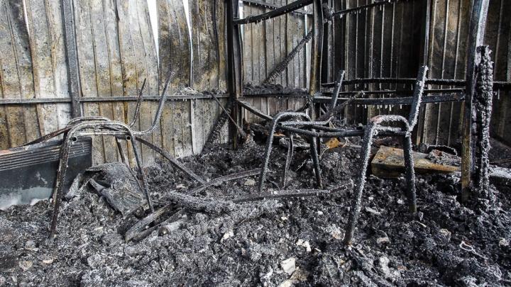 В Волгограде после пожара на Латошинке нашли труп мужчины с пробитой головой