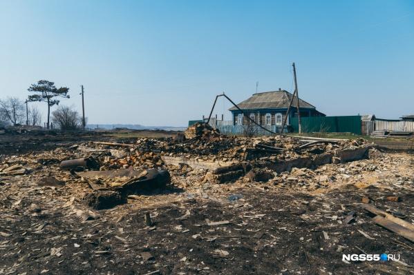 """Сгорели дома, построенные <nobr class=""""_"""">50–60</nobr> лет назад. Самой деревне около 300 лет"""