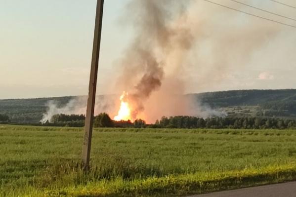 Возле села Спасо-Барда в Кишертском районе было видно пожар