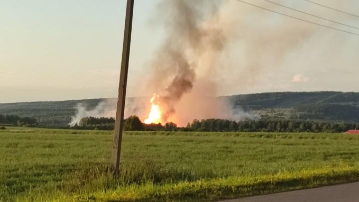 Взрыв на газопроводе в Прикамье в 10 фото (его было видно даже в Перми)