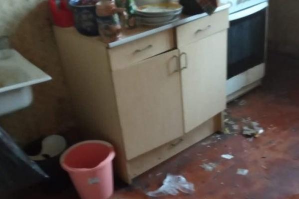 Так выглядит кухня в нехорошей квартире, из-за которой страдают все соседи