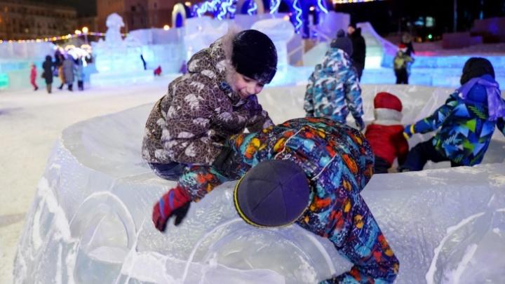В Челябинске из-за потепления закрыли главный ледовый городок