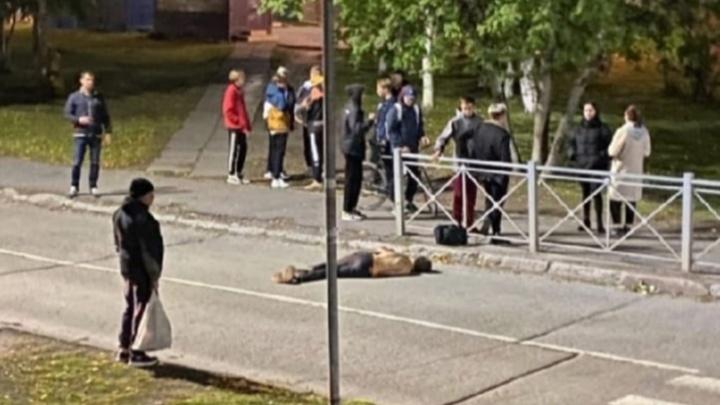 В Северодвинске обнаружили молодого человека с ранами. Отрабатывается версия убийства