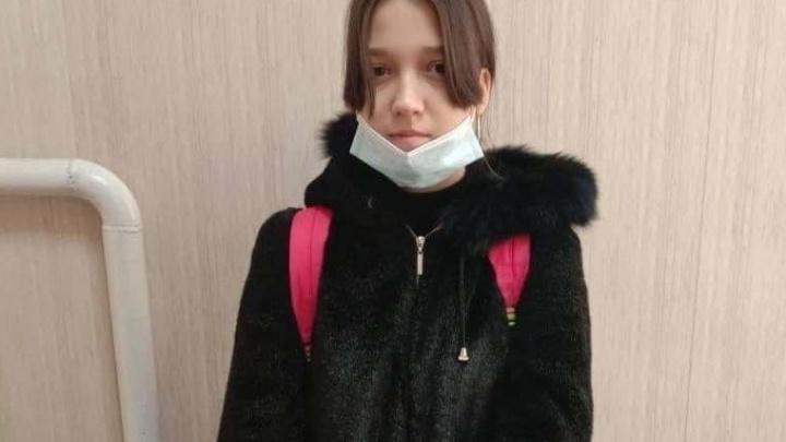 В Омске пропала школьница. Следком возбудил уголовное дело по статье о доведении до самоубийства