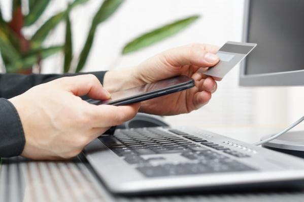 Для подключения сервиса владельцу торговой точки нужно подписать договор с банком
