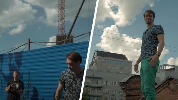 «Город для автомобилистов»: томские блогеры с трудом пробрались на набережную Новосибирска