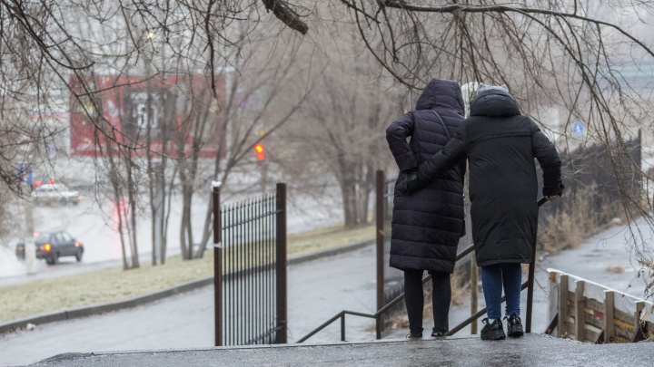 Профессор-травматолог просит жителей Волгограда не выходить на улицы и не добавлять ему работы