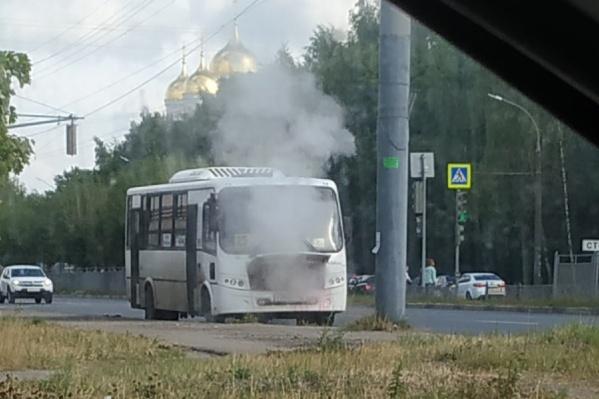 В ярославских соцсетях выкладывают вот такие кадры