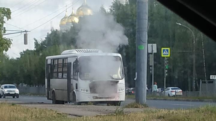 «Эксплуатация запрещена»: в Ярославле ГИБДД нашла массу нарушений при проверке автобусов