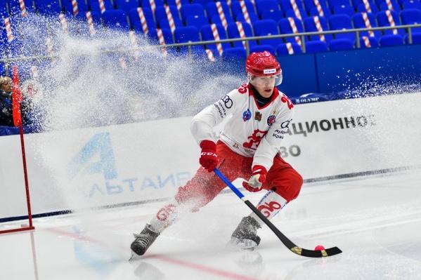 Любителям хоккея придется отстоять очередь в кассы