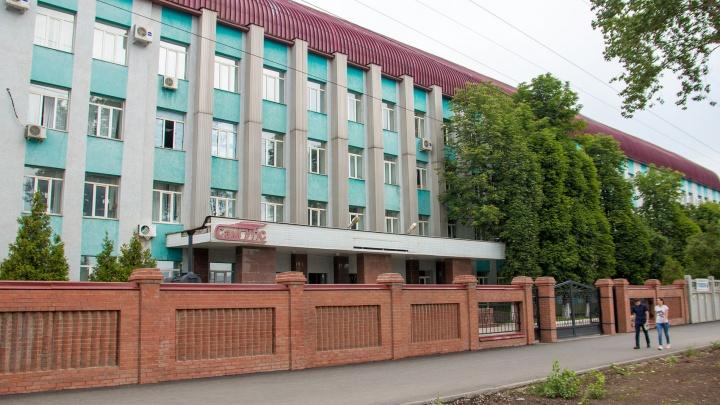 По 8000 рублей с каждого: доцента самарского вуза поймали на взятках