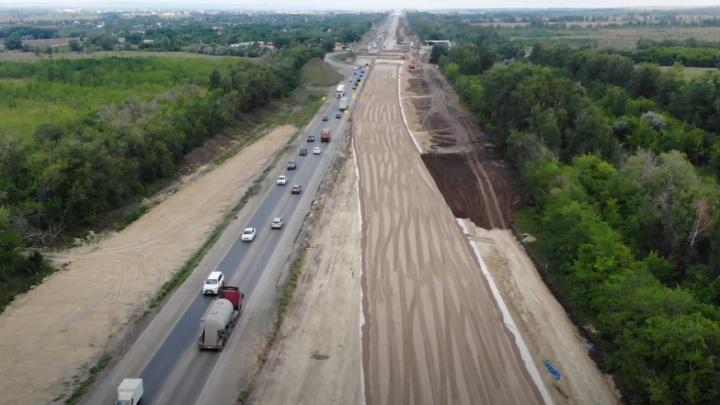 Кругом пески: смотрим, как идет расширение М-5 в Самарской области