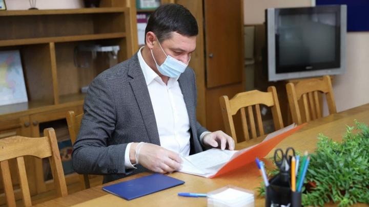 Первышов подал документы на выдвижение в Госдуму и решил не идти в отпуск