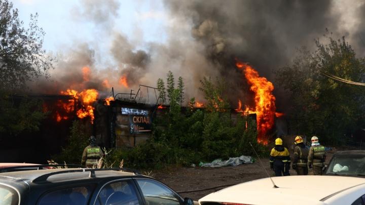 Пожар в районе Калинина удалось локализовать