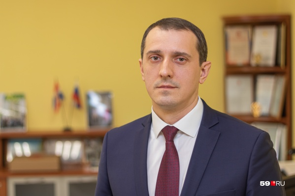 Евгений Карабатов возглавляет район с осени 2017 года
