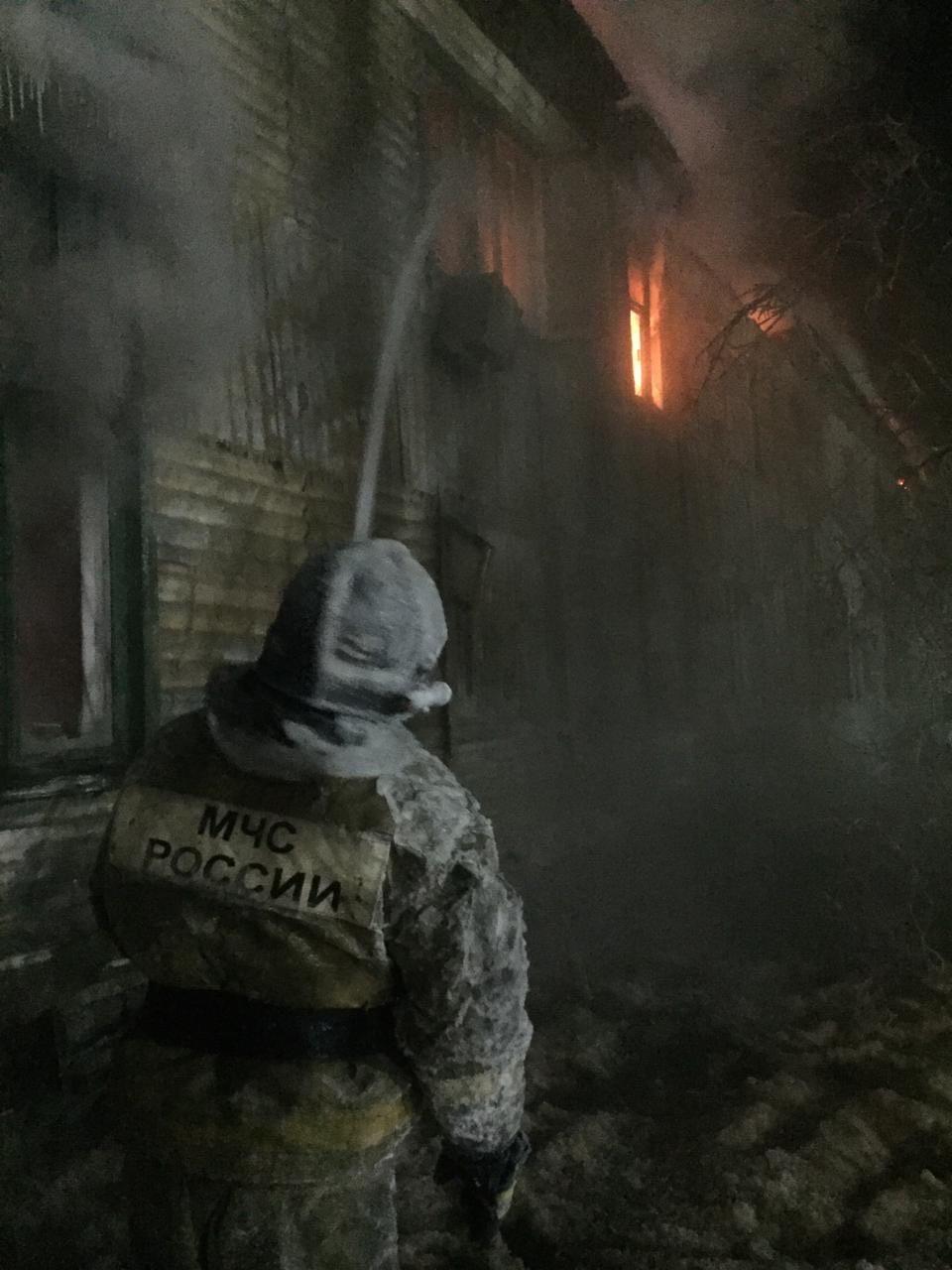 Пожар тушили более трех часов