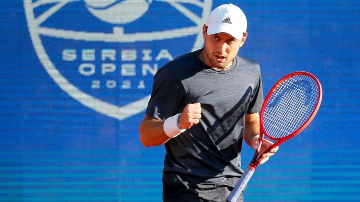 Таганрогский теннисист Карацев обыграл первую ракетку мира в самом долгом сражении года