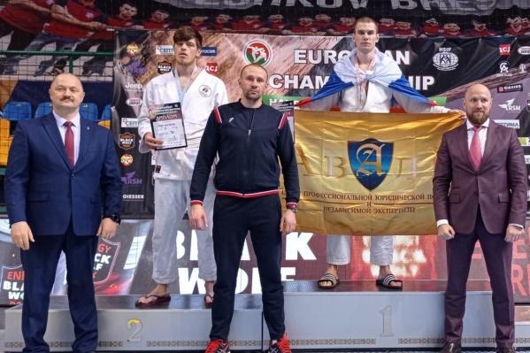 Волгоградец выиграл первое в истории области золото чемпионата по рукопашному бою