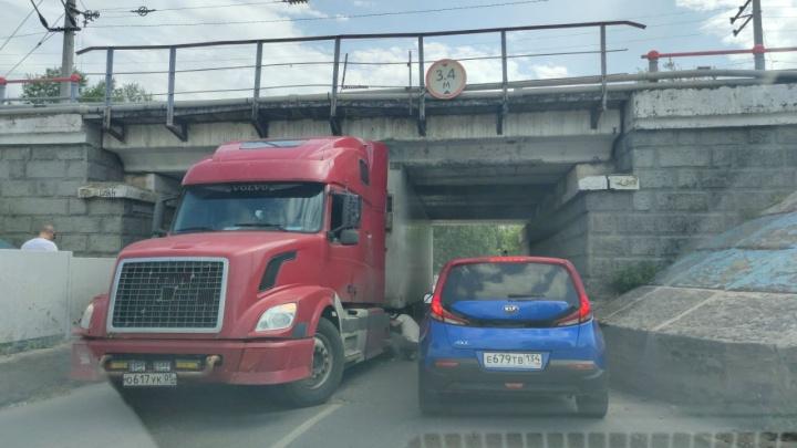 Волгоградский «мост глупости» поймал свою очередную жертву
