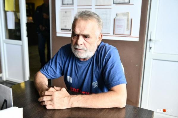 Владимир Лахно две недели жил в кабине грузовика безо всякой надежды на помощь