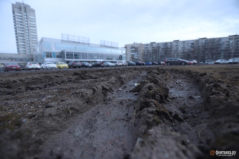 «Молодежный Сквер» у дома 9 по проспекту Сизова