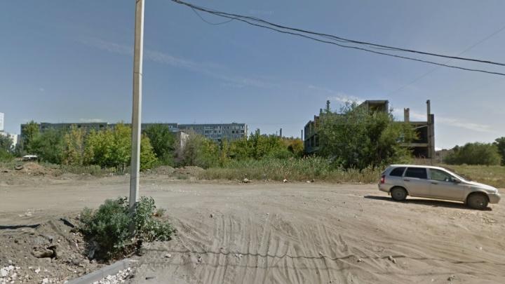 В Волгограде на пустыре в Ворошиловском районе построят школу на тысячу мест
