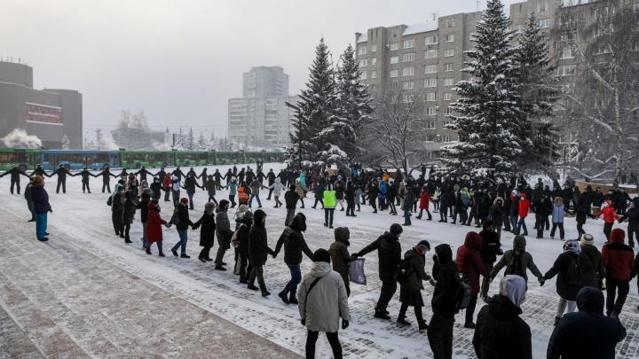 Полицейские обходят квартиры красноярцев, задержанных на митинге 31 января, и вручают предостережения
